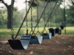rsz_playground_swings